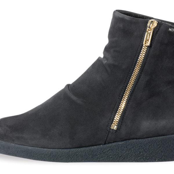Cassandra boot by Mephisto | ShoesRx